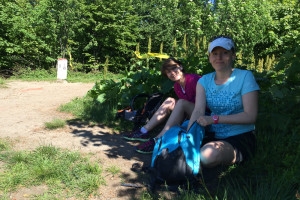 Ula i Marta czekają na biegaczy